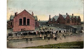 Photo:Armadale Senior and Junior schools c.1910