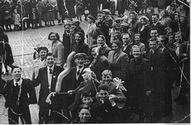 Photo:The miners gala-day in Edinburgh approximately 1948. People from Addiewell enjoying the day!