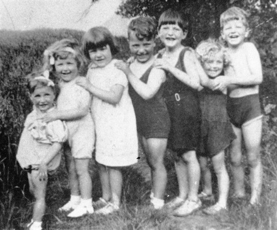 Photo:Some of Ma Moore's grandchildren, c.1936.  (L-R): Sadie Moore, Sadie Irvine (Mrs Prinzel), Cissie Kelly, Henry McMeechan, Alex Kelly, Lawrence Irving, Jim Irving.