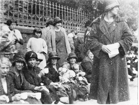 Photo:Ma Moore at the 1926 West Calder protest