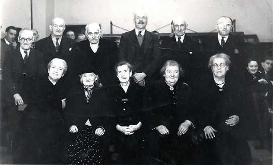 Photo: Illustrative image for the 'Photo of Addiewell older folk' page