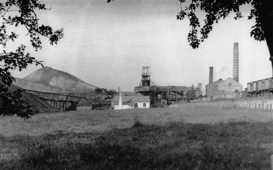 Photo:Loganlea Colliery - general view